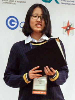 高中生Hailin Kim是OSGeo 最佳口头报告学生奖获得者